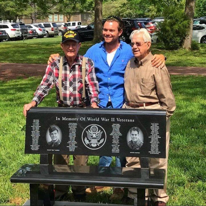 vet-bench-pig-out-picnic